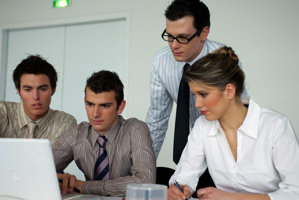 Dans le cadre de la formation professionnelle continue, nous mettons en place avec vous des stages en transition numérique, transformation digitale, marketing digital, communication digitale